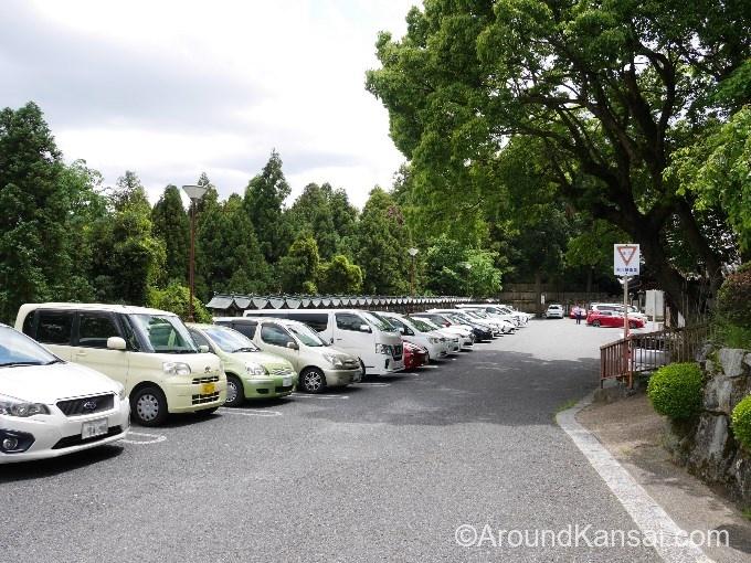 宝山寺・第1駐車場