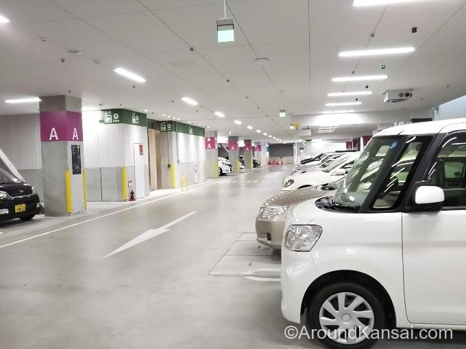 国循の地下駐車場(平日時間内)