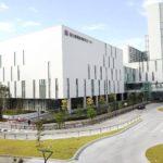 健都に移転した国立循環器病研究センターの外観