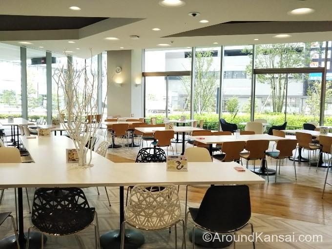 国立循環器病センターの食堂はゆったりしています