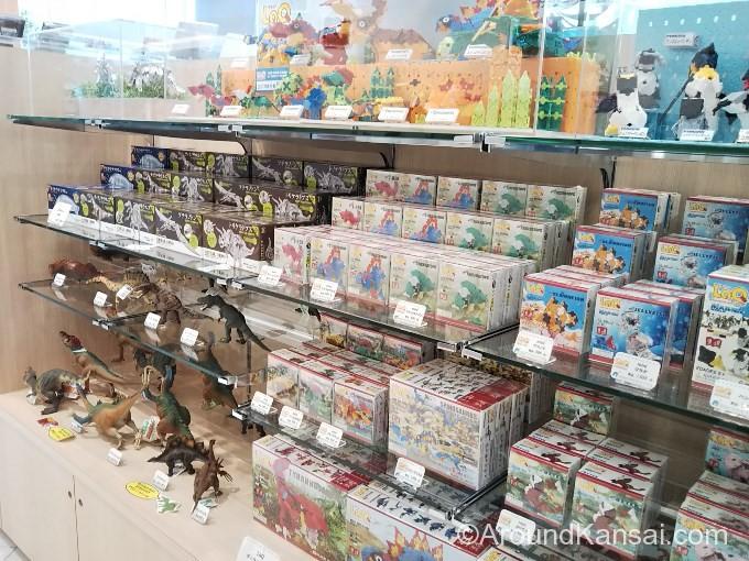 恐竜フィギュア、恐竜メタルキット