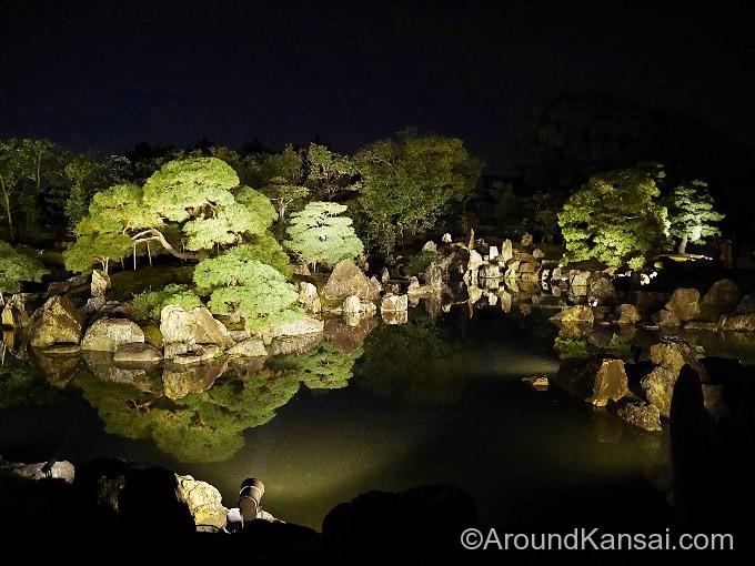 二の丸庭園のライトアップ