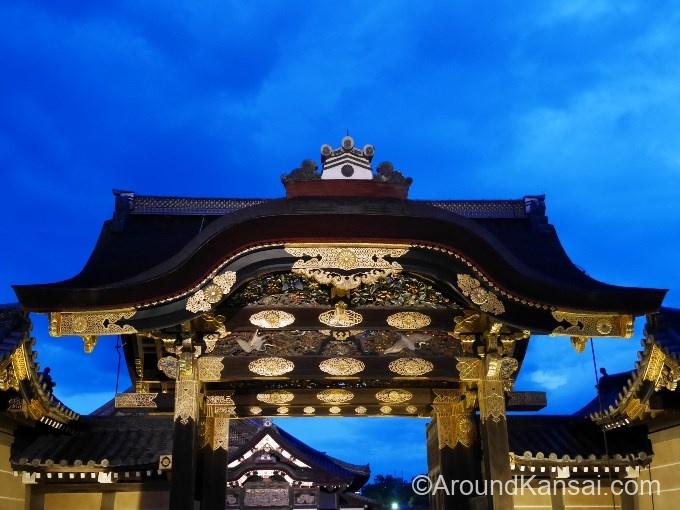 二条城 唐門のライトアップ