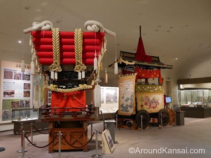 堺市博物館でふとん太鼓が展示されています