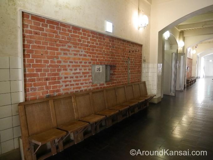 創建当時の椅子。座面は上げ下げできます