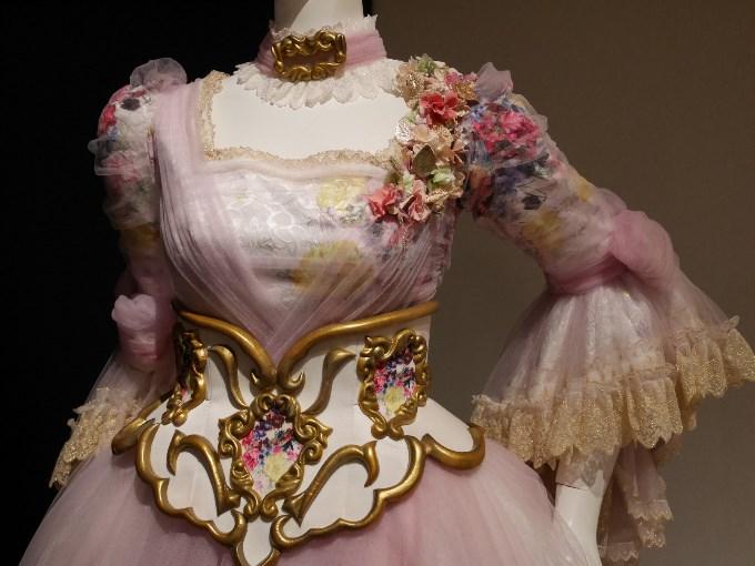 コンスタンツェの衣装