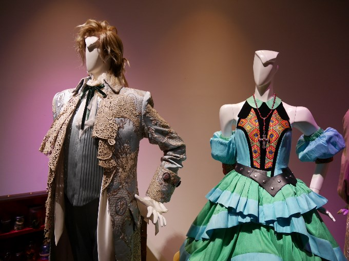 カサノヴァとベアトリーチェの衣装アップで