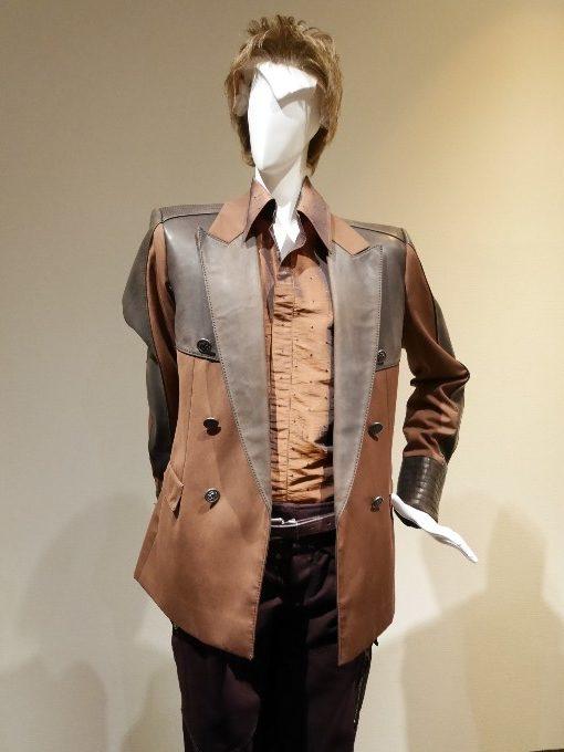 ジョージの衣装