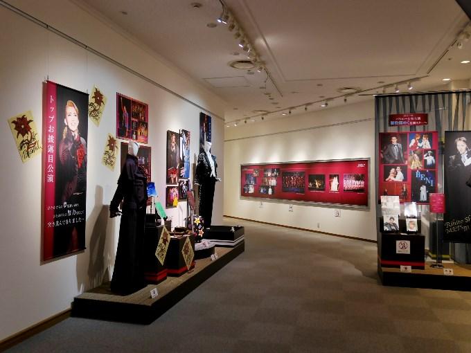 宝塚歌劇の殿堂「Memories of 紅ゆずる」会場のようす