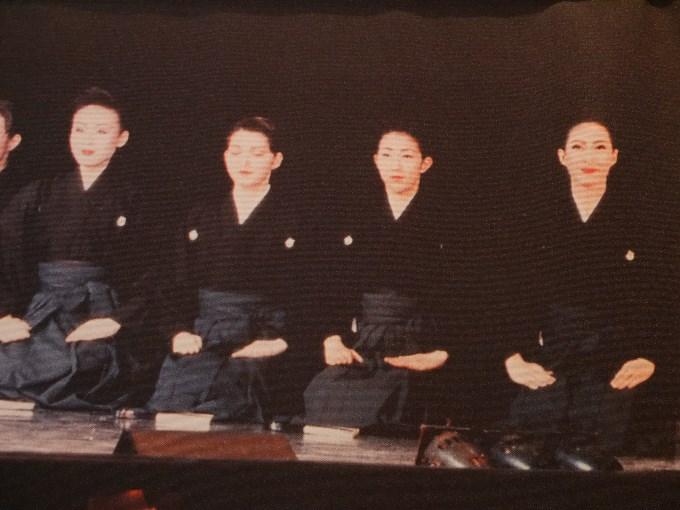 2002年 星組公演『プラハの春』第88期生 初舞台 口上(右から2人目)