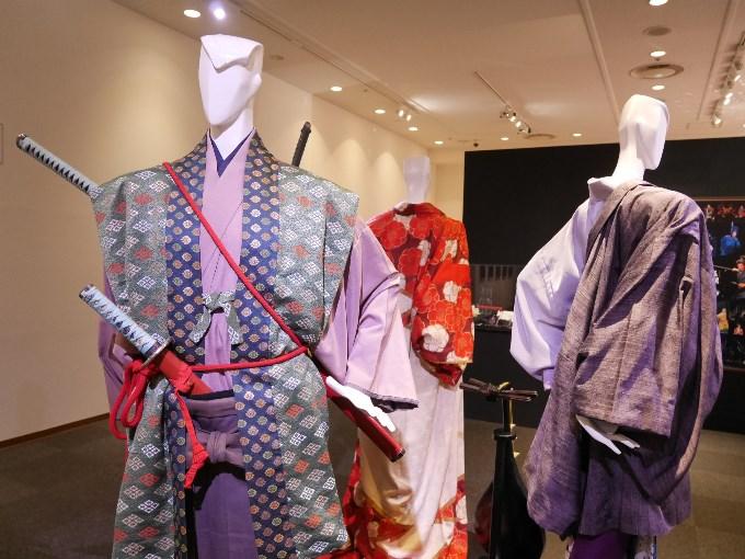 本位田又八(月城かなと)の衣装