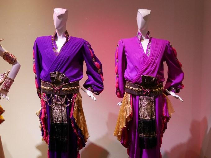 ファムラック(珠城りょう、美弥るりか)の衣装