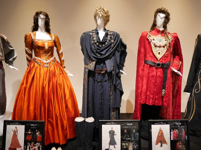 カテリーナ、レオナルド、ロレンツォの衣装