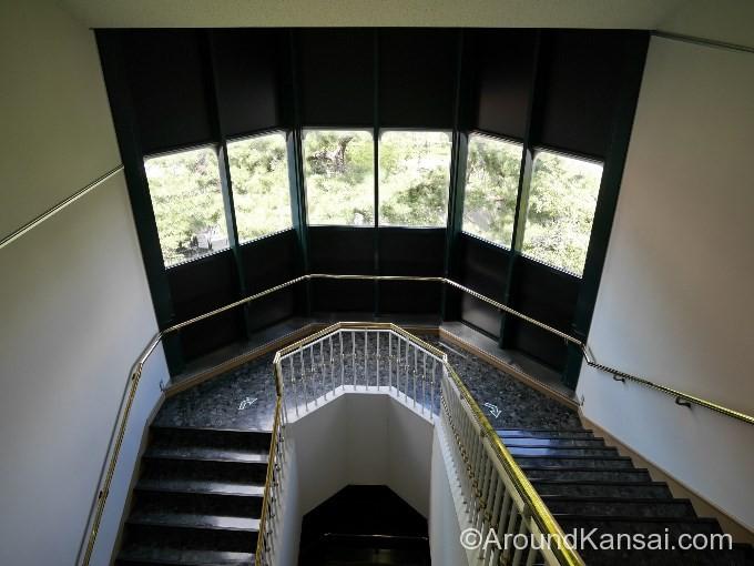 歌劇の殿堂、2Fから3Fへの階段