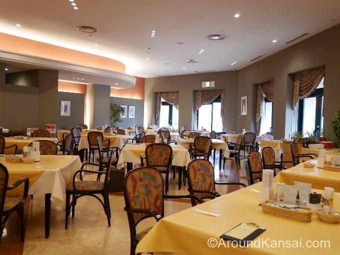 宝塚大劇場にあるレストラン、フェリエの店内