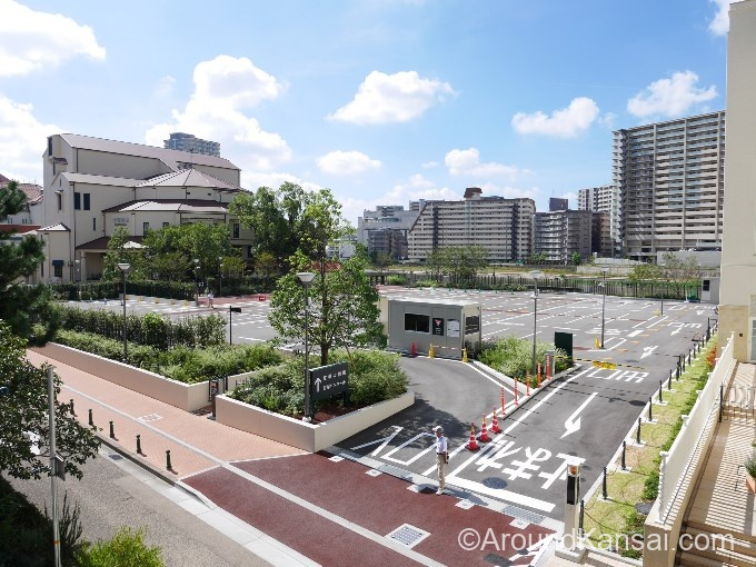 宝塚大劇場・西駐車場