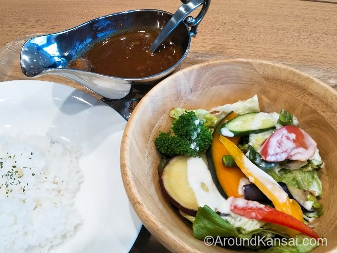 ヤンマーカレー(サラダ、ドリンクバー付)